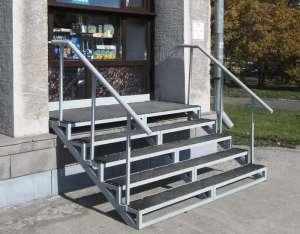 фото лестницы на крыльцо